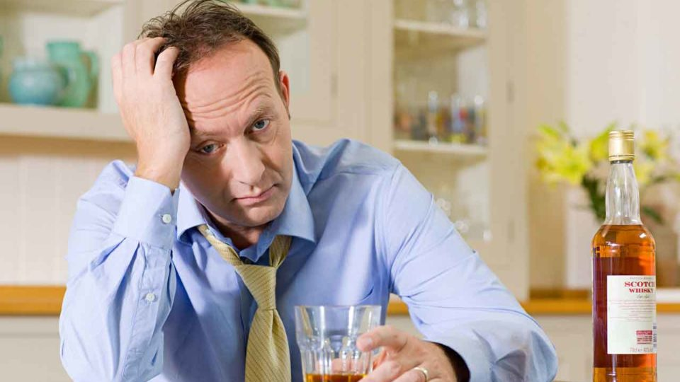 Человек стал выпивать каждый день. Что поможет?
