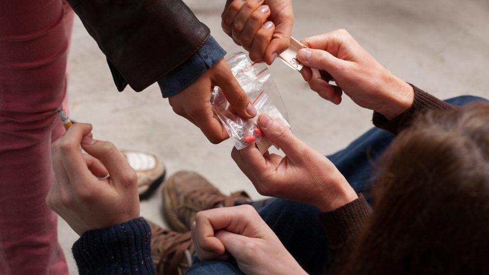 Ранняя наркозависимость. От чего стоит предостерегать подростков?