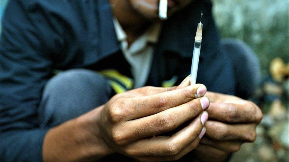 Какие общие стороны у таких явлений, как наркомания и алкоголизм?