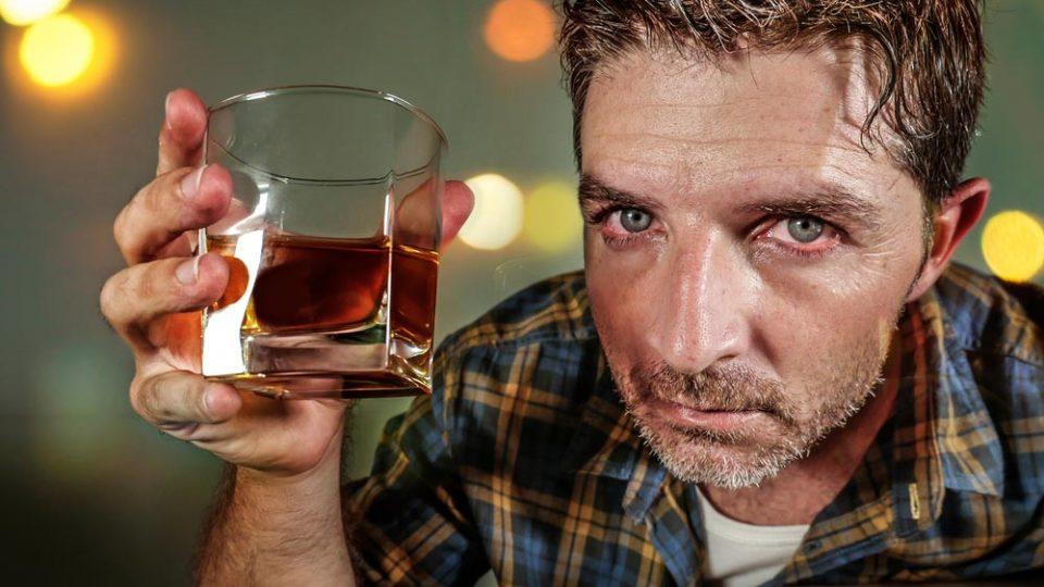 Почему алкоголики не могут не пить